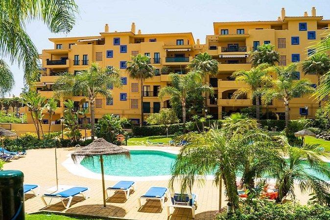 Properties for Sale in Los Almendros