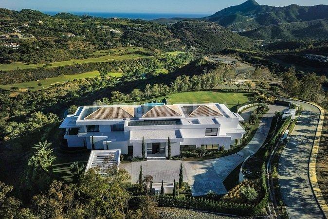 Properties for Sale in La Zagaleta